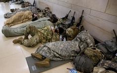 Ông Biden xin lỗi vì hình ảnh Vệ binh quốc gia ngủ ở bãi đỗ xe