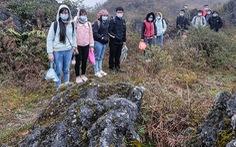 Vỡ mộng sang Trung Quốc đổi đời, phải vượt núi đá tai mèo nhập cảnh 'chui' về lại Việt Nam