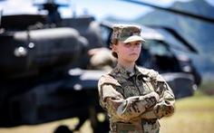 Lầu Năm Góc ra chính sách mới, cho nữ quân nhân được tô son môi, để tóc đuôi ngựa