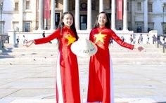 Hai cô bé Việt truyền cảm hứng ở Anh