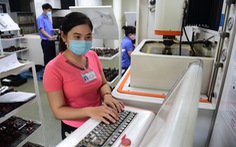 Nhiều lao động nữ thích thú với quy định mới