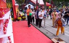 TP.HCM vẫn tổ chức các hoạt động tết theo 5K, Hà Nội xử nghiêm người không đeo khẩu trang