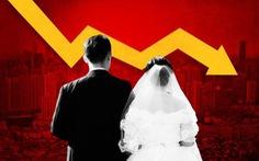 Trung Quốc vừa thừa 30 triệu đàn ông, vừa lo dân ngại đẻ