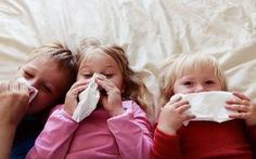 Trẻ em mắc COVID-19 dễ lây hơn người lớn