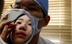 Dân Hàn tận dụng 'thời đại khẩu trang' để đi phẫu thuật thẩm mỹ