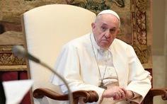 Giáo hoàng Francis lên án những người ra nước ngoài trốn phong tỏa trong nước