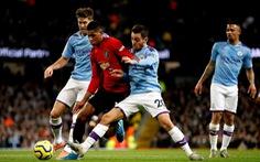 Bán kết Cúp Liên đoàn Anh: Xem Manchester nào thực dụng hơn?