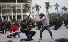 Mãn nhãn màn cảnh sát đặc nhiệm diễn tập bảo vệ Đại hội Đảng lần thứ XIII