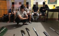 Nổ súng ngăn chặn 2 nhóm thanh thiếu niên mang 'dao phóng lợn' hẹn đánh nhau