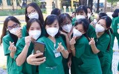 Lực lượng chi viện rút đi, y tế TP.HCM chuẩn bị ra sao để trị COVID-19?