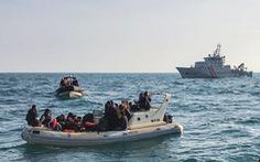 Hơn 1.000 người di cư vượt eo biển Manche chỉ trong 2 ngày
