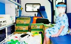 Nửa năm điều trị bỏng toàn thân, bé gái 7 tuổi được về nhà trên chuyến xe 'đặc biệt'