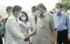 Chủ tịch nước Nguyễn Xuân Phúc thăm Bệnh viện Nhi đồng TP.HCM