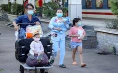 Huế đón gần 600 thai phụ, mẹ và bé sơ sinh, học sinh mắc kẹt về quê bằng xe lửa