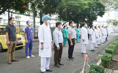 Vừa 'ngơi tay', bác sĩ Sài Gòn lại lên đường chi viện cho Cà Mau, Ninh Thuận chống dịch