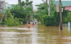 Lũ từ Quảng Bình đến Bình Định đang lên nhanh, mưa vẫn còn rất lớn