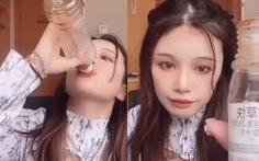 Trung Quốc: Bị xúi giục, cô gái uống thuốc trừ sâu tự tử khi livestream