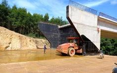 Chính phủ gỡ vướng chính sách để đủ đất đắp nền đường cao tốc Bắc - Nam