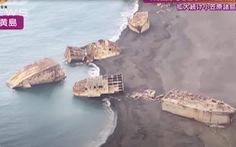 Núi lửa hoạt động khiến hàng loạt tàu Nhật chìm từ Thế chiến 2 trồi lên bờ