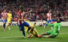 Màn trình diễn chói sáng của thủ thành Alisson làm nản lòng chân sút Atletico