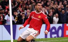 Khoảnh khắc Ronaldo bật cao đánh đầu ghi bàn giúp Man Utd ngược dòng không tưởng