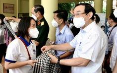 Bí thư Nguyễn Văn Nên cùng lực lượng tuyến đầu tham quan Củ Chi - Tây Ninh
