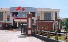 Chính quyền giúp dân hoàn tất hồ sơ kiện cá nhân, tổ chức chậm trễ thi hành công vụ