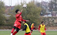 U23 Việt Nam tập sút cầu môn dưới thời tiết 6 độ C