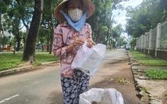 Lượm ve chai nhiều hơn trên đường phố