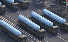 Trung Quốc tuyên bố không tấn công hạt nhân phủ đầu