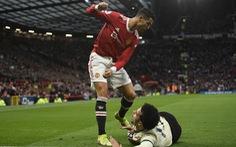 Đừng cay cú nữa Ronaldo!