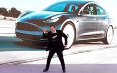 Tesla gia nhập câu lạc bộ 1.000 tỉ USD, vượt Facebook về giá trị vốn hoá