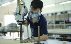 ILO: Cứ 14 người tiêm đủ vắc xin sẽ thêm 1 việc làm