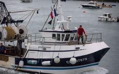 Pháp dọa trả đũa mạnh mẽ sau khi Anh từ chối cấp phép cho tàu đánh cá