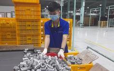 Cần tiêm ngay vắc xin cho người lao động 'mắc kẹt' ở Bình Dương, Đồng Nai