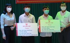 Đôi bạn mồ côi ở Hà Tĩnh nhận thêm 80 triệu đồng