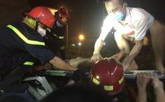 Giải cứu tài xế xe tải bị trọng thương, mắc kẹt trong cabin sau tai nạn
