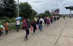 'Không có chuyện đoàn hàng trăm người dân đi bộ qua Tây Nguyên'