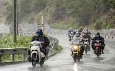 Thủ tướng yêu cầu đảm bảo an toàn cho người dân về quê khi bão, mưa lũ