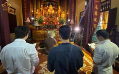 Sáng tác ảnh hưởng đến tôn giáo, nhóm Rap Nhà Làm xin lỗi và quỳ sám hối tại chùa Quán Sứ