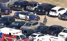 Bắt giữ nghi phạm xả súng ở trường trung học Mỹ