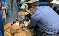 Em bé chào đời trên chuyến tàu về quê