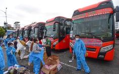 Phương Trang cùng lúc đưa dân 8 tỉnh về quê từ TP.HCM