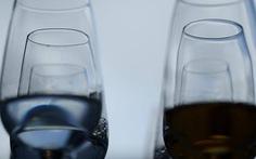 26 người chết do ngộ độc rượu ở Nga