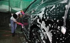 Sát Tết, nghề rửa xe tất bật mà rủng rỉnh