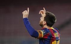 Messi cân bằng kỷ lục của Raul