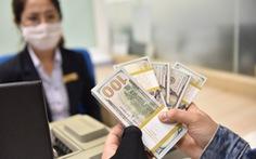 Giá USD tự do cũng 'nhảy' theo chênh lệch giá vàng