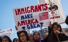 Di dân không giấy tờ trước ngày 1-1-2021 có thể nhập tịch Mỹ?