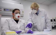 Mỹ thống trị cuộc đua vắc xin COVD-19 nhờ 'bạo vì tiền'