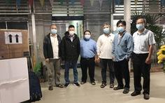 Lực lượng y tế Bệnh viện Chợ Rẫy mang theo máy móc ra Hải Dương chống dịch COVID-19